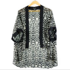 ✨3/$25✨Seductions Aztec Print Sheer Kimono Shrug S
